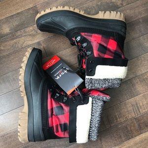 Cougar • Creek Red Plaid Waterproof Boots • Sz 8